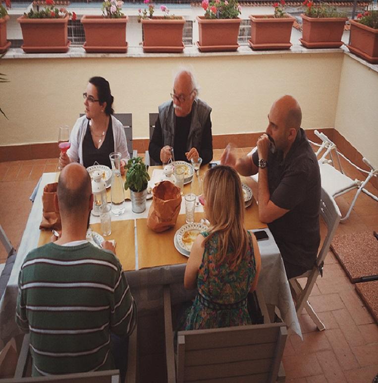 La tavola e la terrazza di Appartamento9
